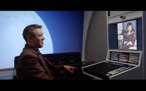 Stanley Kubrick já previa o Hangouts do Google Plus. Ah, não. Esse era o videofone.