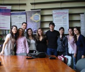Compartilhando novos horizontes com o BaixaCultura - (da esquerda para a direita) Anna Clara, profa. Valéria, prof. Rafael, Letícia Brodegheri, Francieli, Marcelo, Lahis, Gislaine e Priscila.