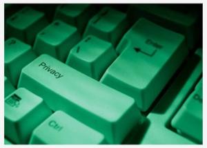 Direito à informação vs. Direito à privacidade: o paradoxo. Nãovoudivulgarminhavidanainternetnãovoudivulgarmi... mas todo mundo faz isso!