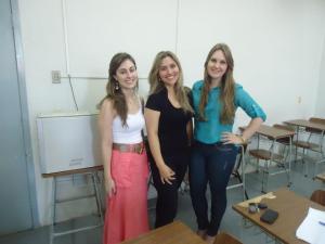 As acadêmicas que ministraram a oficina: Letícia Bodanese Rodegheri, Francieli Puntel Raminelli e Patrícia Adriani Hoch (da esquerda para a direita).